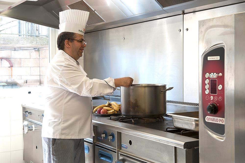 cuisine de La Compassion Beauvais
