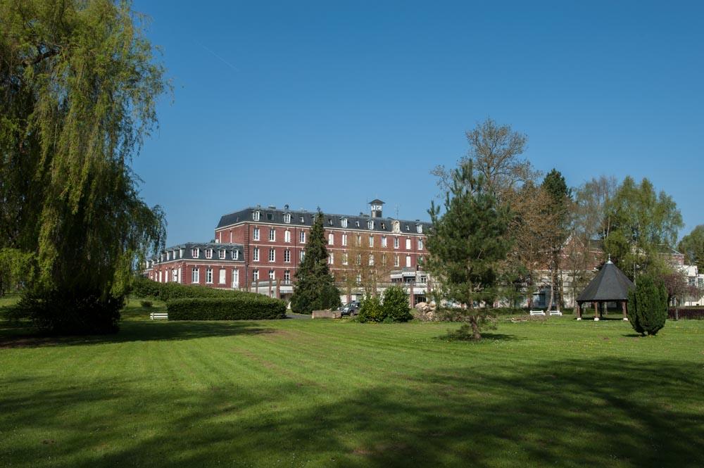 Parc et bâtiment historique de Domfront