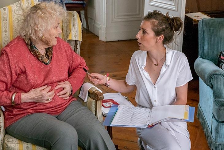 Patiente et infirmière